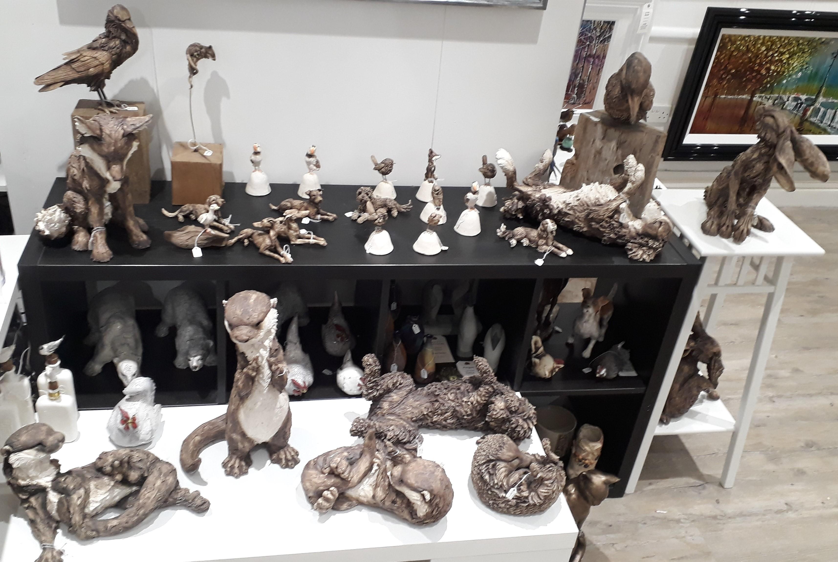 qa19-8-Felicity-lloyd-Coomes-Ceramic-Sculptures-Wildlife